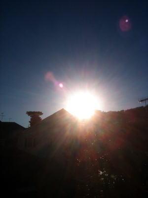 葉山の朝日