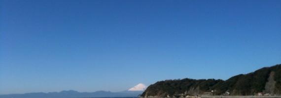 逗子海岸から望む富士山