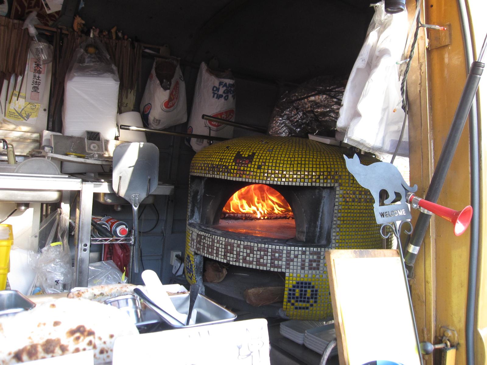 料理は炎の色も味わいだよね!