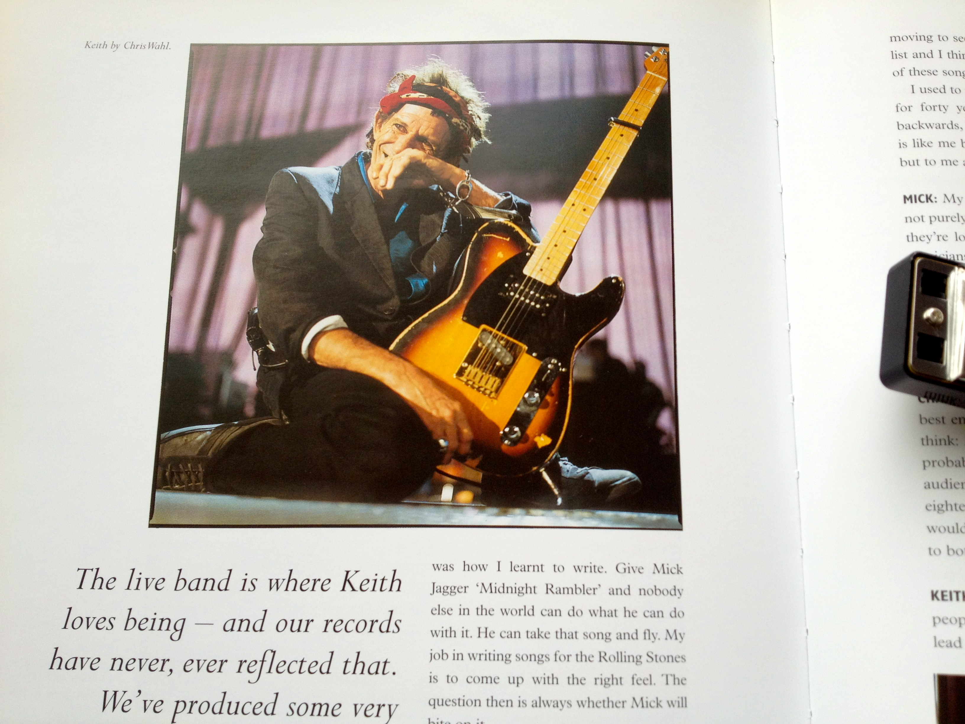 キースにギターを数秒ワンフレーズだけ弾いてもらえたとしたら、値千金だ