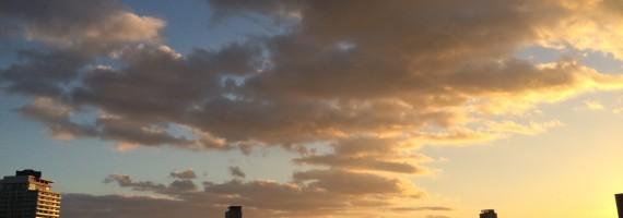今日の夕景。雲も創造しているんだろうね!